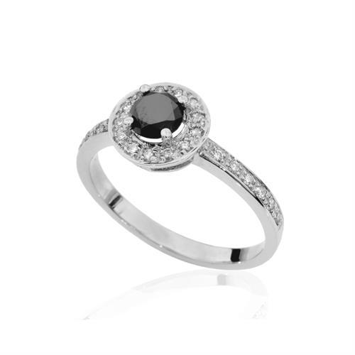 טבעת יהלומים שחור ולבן 0.70 קראט