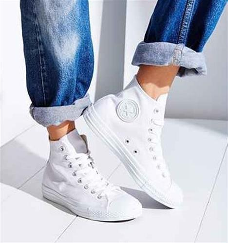 נעלי נשים אולסטאר/קונברס גבוהות עור צבע לבן דגם 1T406