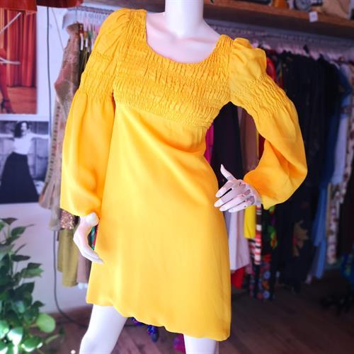 שמלת מיני כיווצים צהובה מידה S