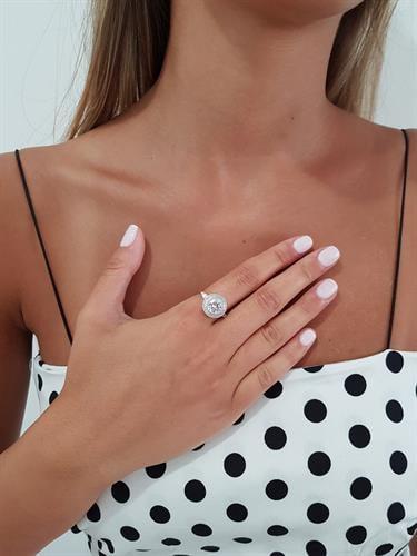 טבעת זירקון באגט