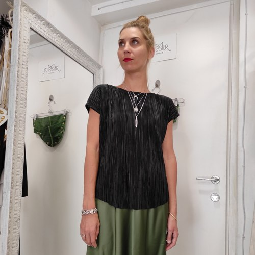 חולצת גופרה - פליסה שחור