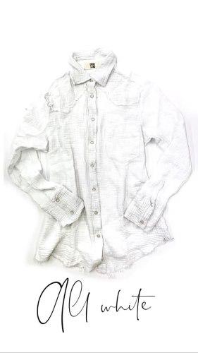 חולצת צווארון תיק תק לבנה