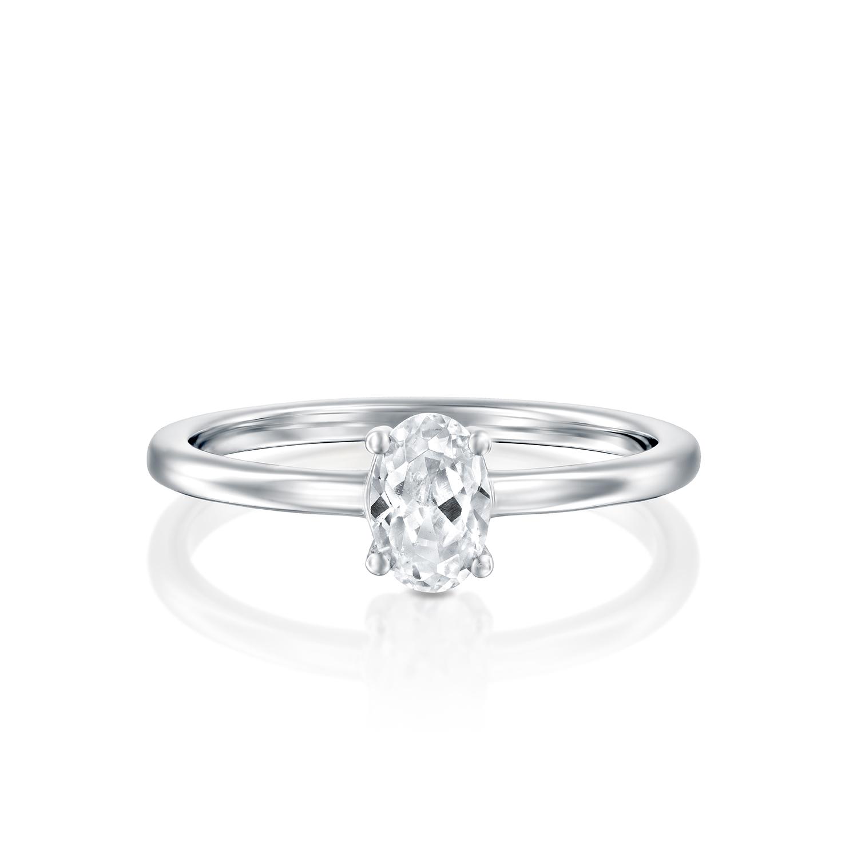 טבעת אירוסין זהב לבן 14 קראט משובצת יהלומים OVAL MARTINI