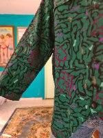 חולצה ירוקה מכופתרת גרפית מידה XL