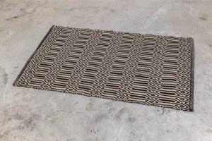 שטיח כותנה מעויינים מלבן - אבן ושחור