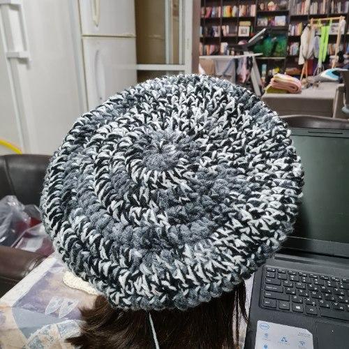 כובע ברט מחוט בטיק