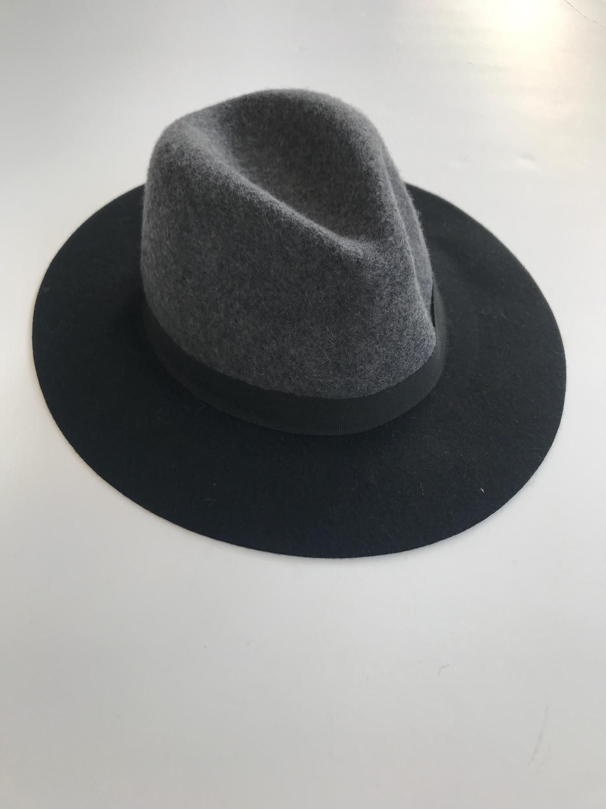 כובע טווין אפור