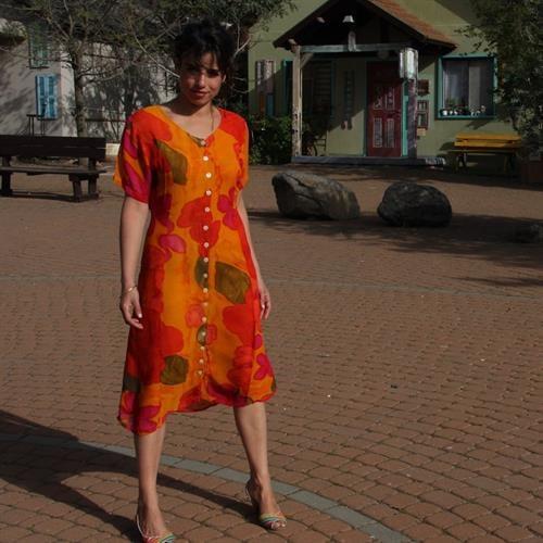 שמלה צבעונית הכי יפה שיש מידה L