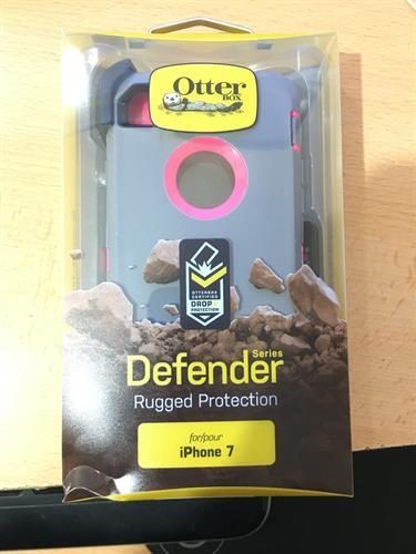 Otterbox defender תלת שכבתי (אפור\ורוד) לאייפון 7
