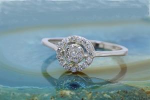 טבעת זהב משובצת מעגלי יהלומים   טבעת מעוצבת   טבעת אירוסין משובצת