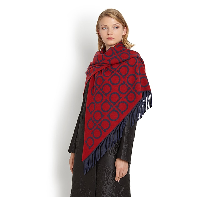 שאל shawl Salvatore Ferragamo