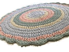 שטיח סרוג,שטיח סרוג בצבעי פסטל, שטיחים סרוגים, שטיח סרוג בטריקו , שטיח מטריקו,  שטיח, שטיח עגול, שטיחים עגולים,