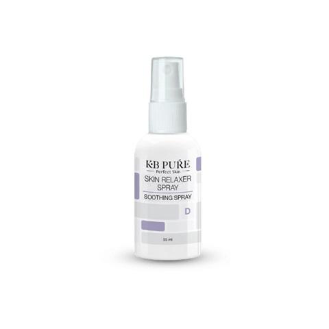רילקסר ספריי - Skin Relaxer Spray ספריי איכותי מבית KB PURE להרגעת גירויים בעור עם מרקם לחותי. הספריי מצויין כמרגיע לאחר טיפולי הסרת שיער, שיזוף, כוויות שמש ועור אדמומי ומגורה.  הספריי מכיל שלל מרכיבים ייחודיים ומקוריים כגון: פנטנול, תמצית זרעי תמרינדי, מרווה, דו שן, פרח לילי לבן ואלנטואין.  מכיל: 55ml