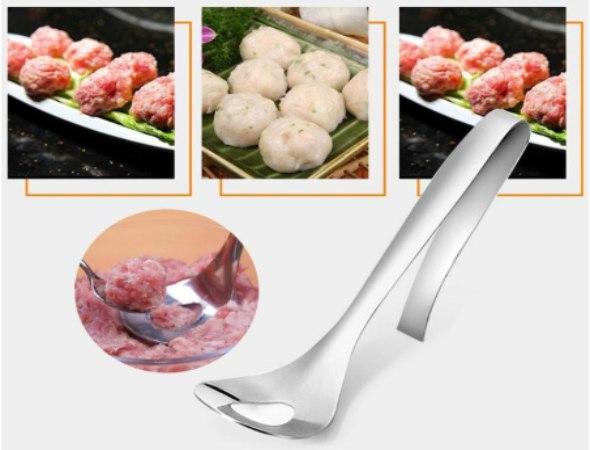 כף עם חור להכנת קציצות בשר