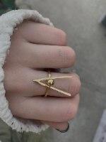 טבעת וי נקודה זהב