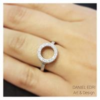 טבעת עיגול חלול משובצת