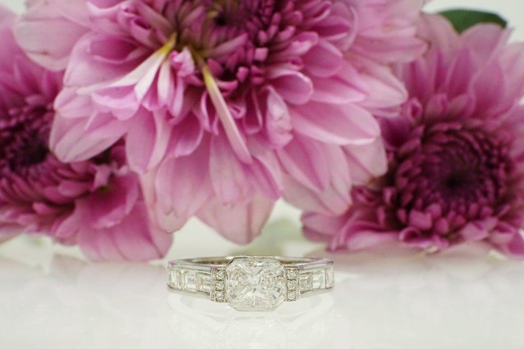 """טבעת יהלומים """"אליזבת"""" 18 קראט"""