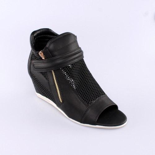 נעל רוקי אטינאי