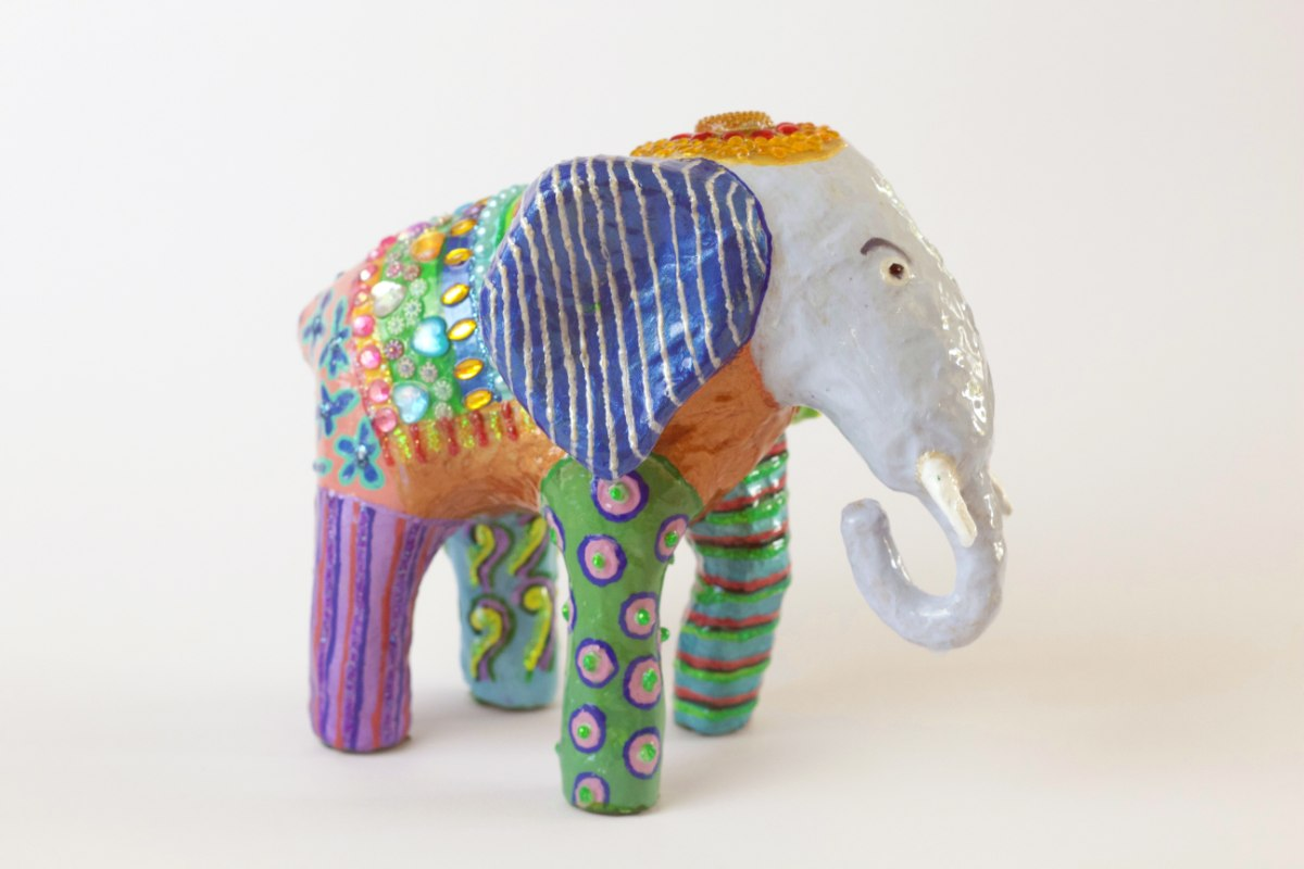 פיל גדול כחול