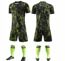 חליפת כדורגל שחור צהוב (לוגו+ספונסר שלכם)