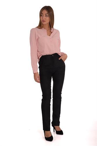 מכנס בצבע שחור  בגזרה ישרה