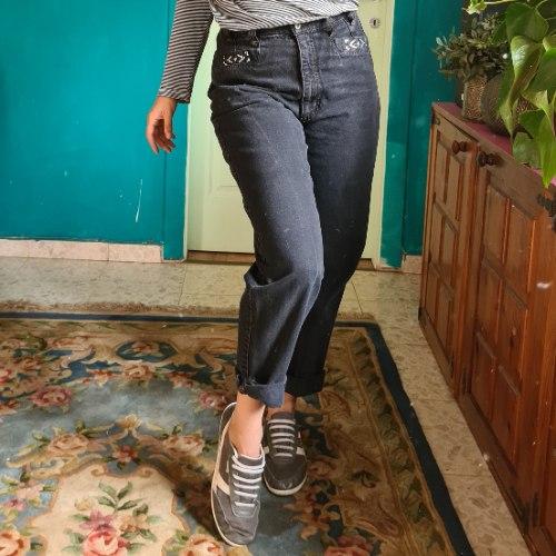 מאם ג'ינס שחור מושלם מידה M