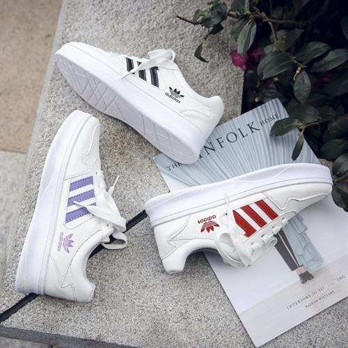 נעלי אדידס דגם חדש פלטפורמה