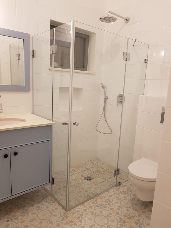 מקלחון פינתי משולב מדריד + ונציה