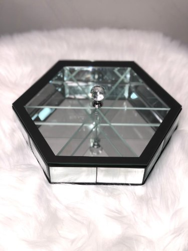 קברט משושה זכוכית