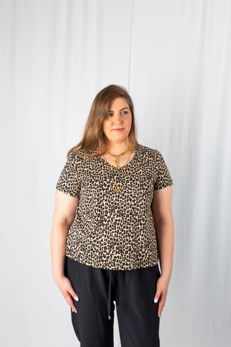 חולצת T ג'וליין מנומר