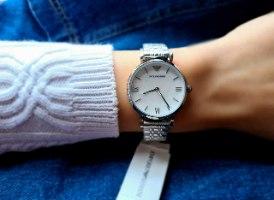 שעון ארמני לאישה דגם AR1682