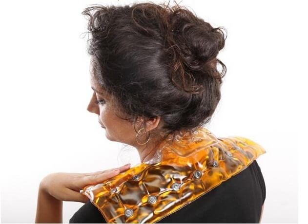 כרית משככת כאב לכתפיים וצוואר