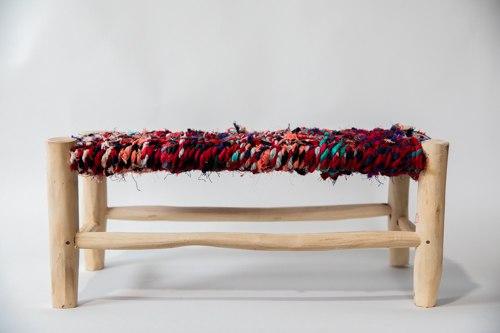ספסל ילדים עץ ושטיח