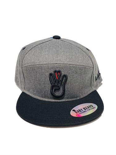 כובע אפור שילוב שחור BABY BRAND