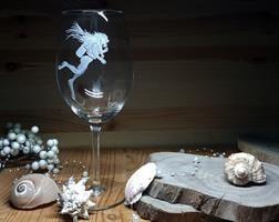 צוללנית ביין אדום עמוק