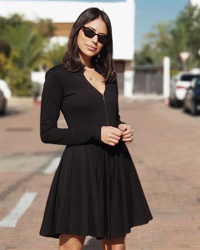 שמלת זיפר קלוש - שחורה