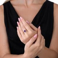 """טבעת כסף 925 עדינה משובצת באמטיסט 8 מ""""מ נועה טריפ noa tripp"""