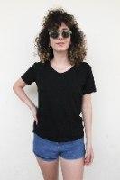 חולצת בייס שחורה