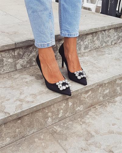 נעל עקב אבזם - שחור