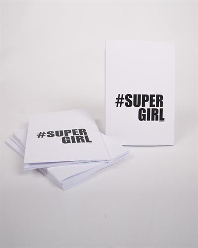 מחברת Supergirl