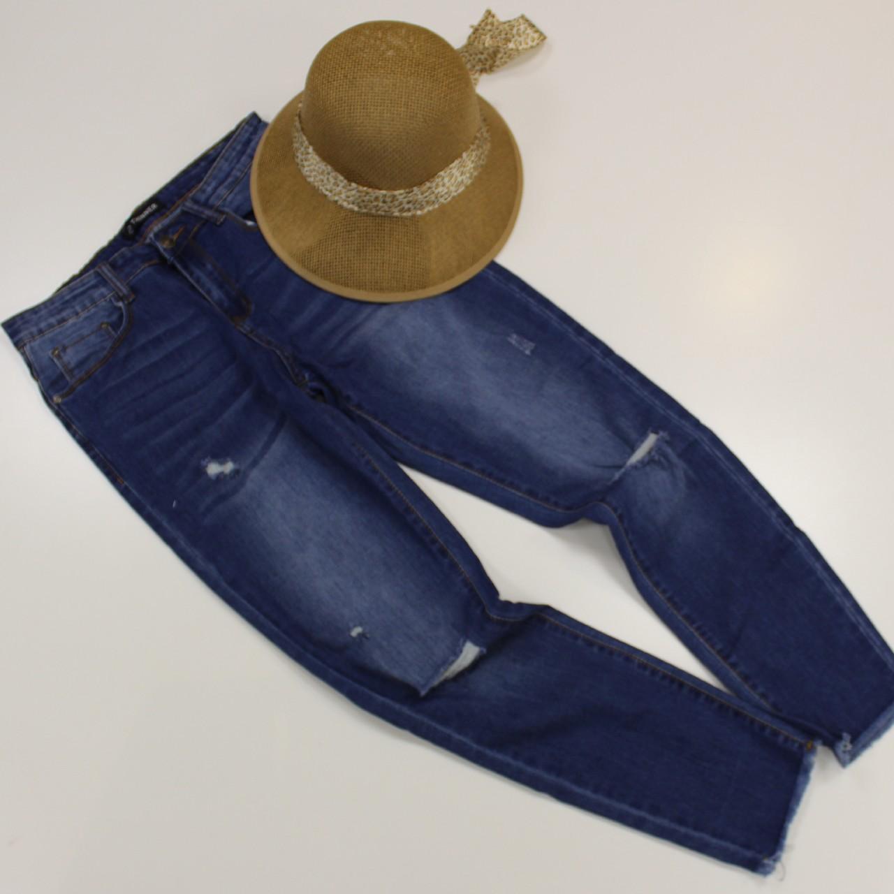ג'ינס קרעים נשים