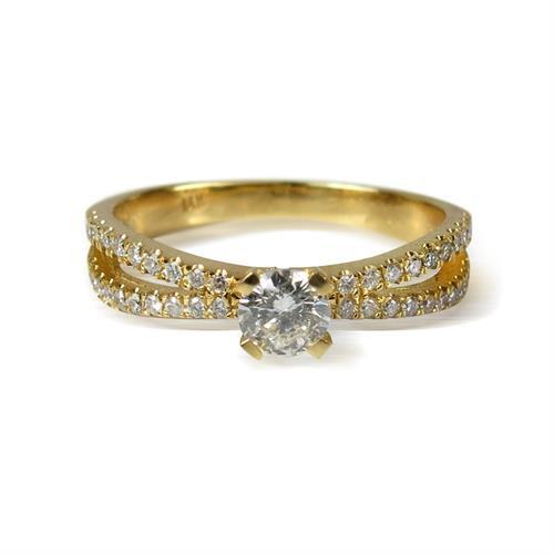 טבעת זהב 14K משובצת יהלומים 0.55CT
