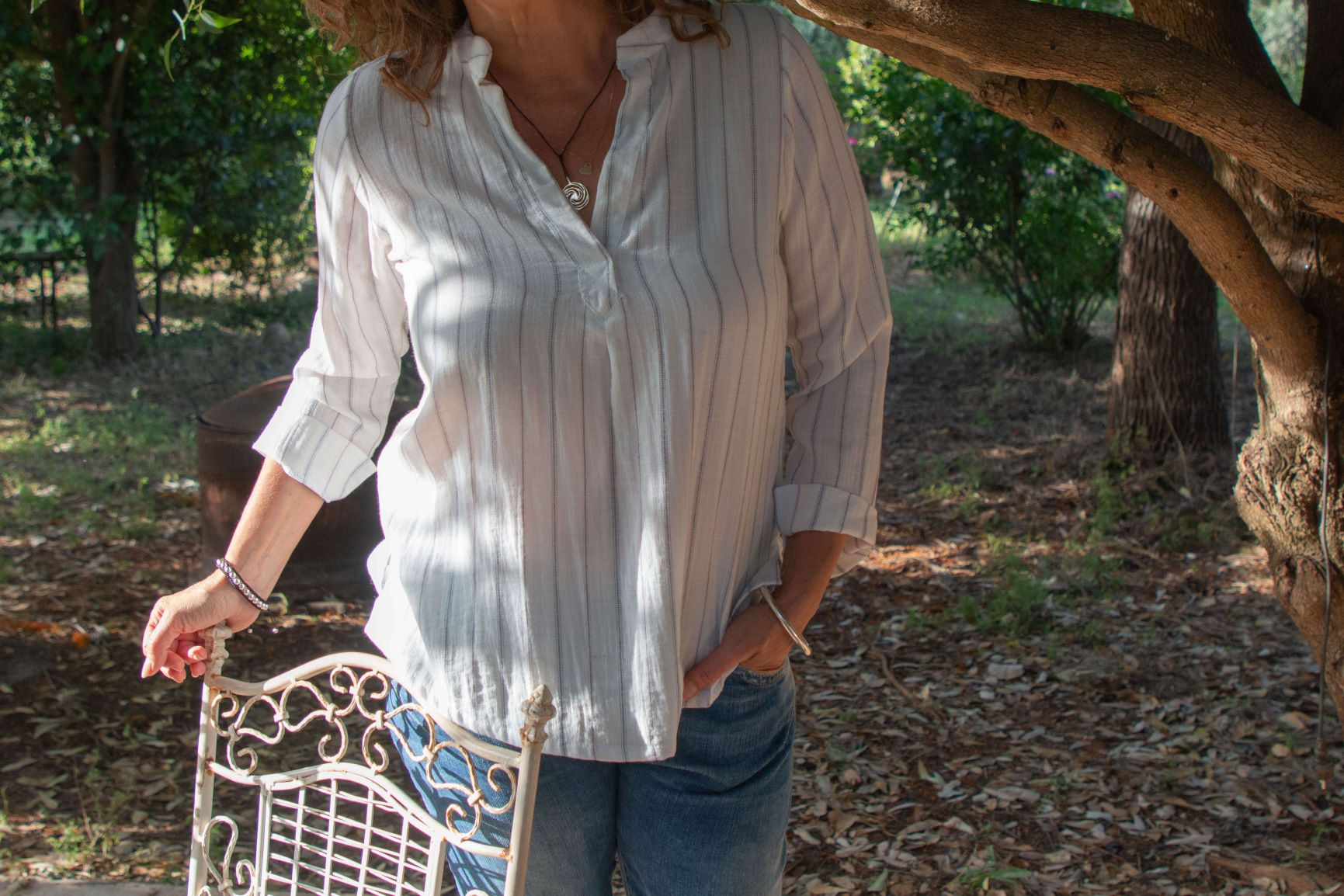 חולצת פשתן עם צוארון סיני