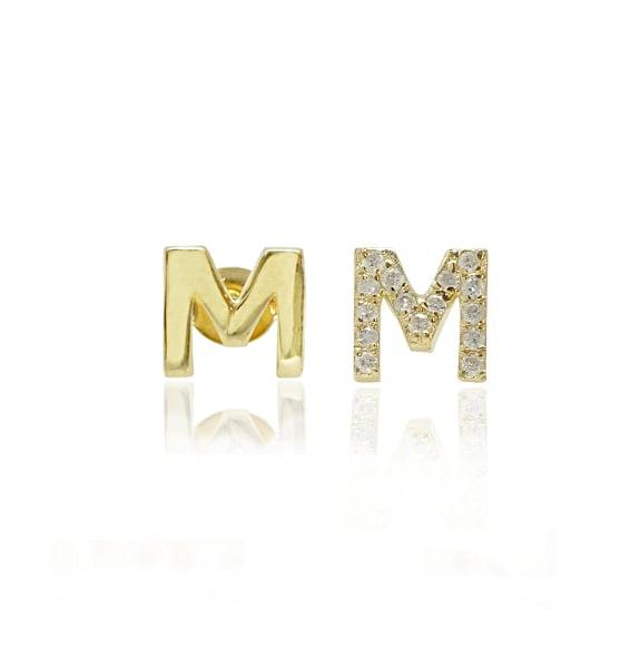 עגילי אות M מזהב