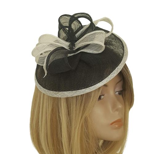 כובע מעוצב שחור ולבן - דגם צדף