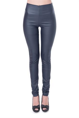 מכנס דמוי עור ללא רוכסן וללא כפתור בצבע כחול