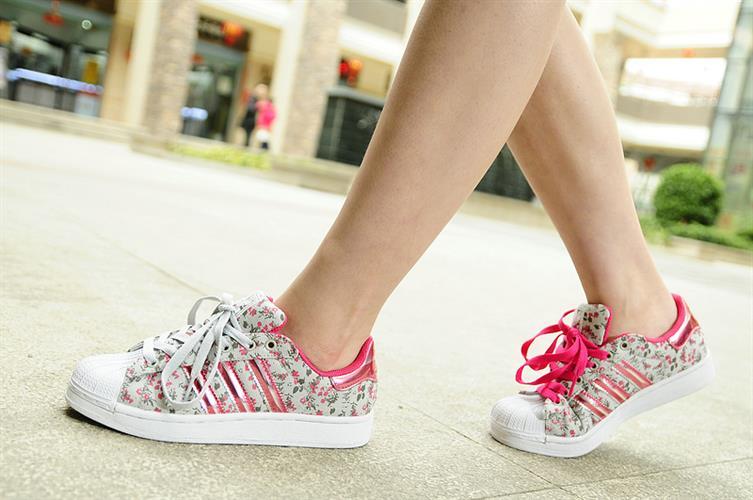נעלי adidas superstar M ATTITUDE 3D מידות 36-39