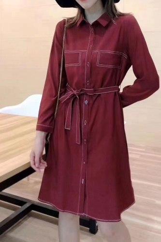 שמלת מכופתרת תיפורים אדומה