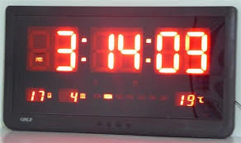 שעון קיר לד גולף GOLF 4825R