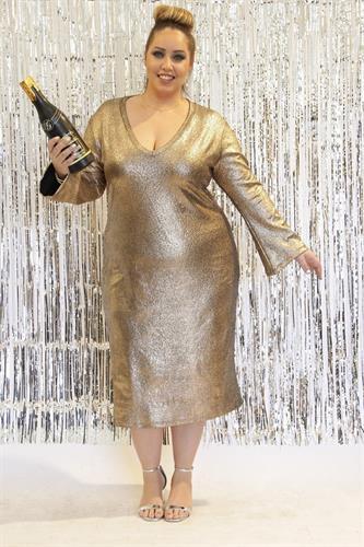 שמלת קירה